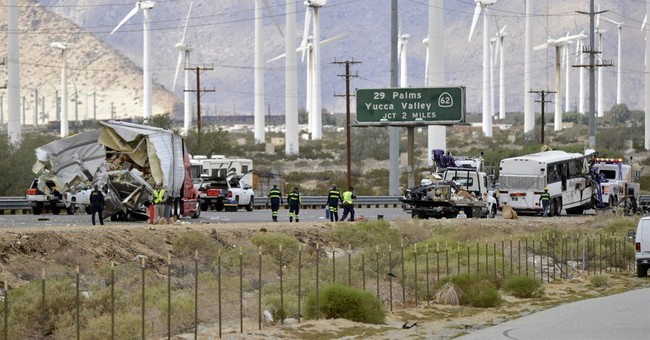 No lights, signs required at site of fatal California crash
