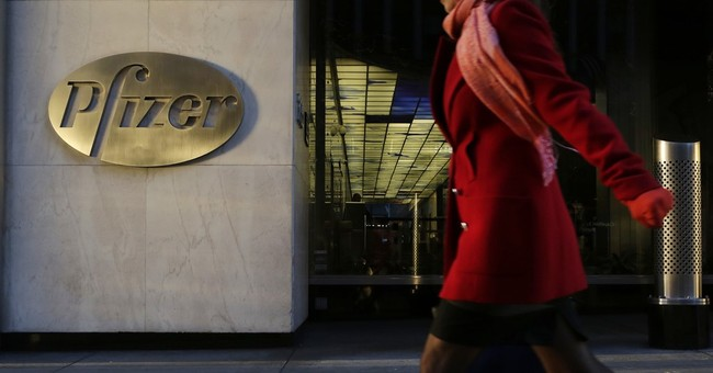 Pfizer net plunges 38 pct., misses Street 3Q forecasts