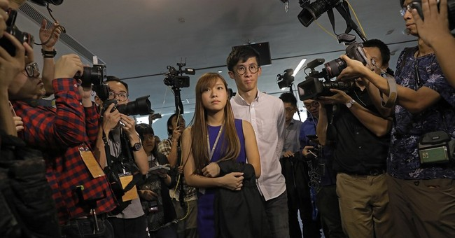Hong Kong lawmaker oath standoff sparks more chaos