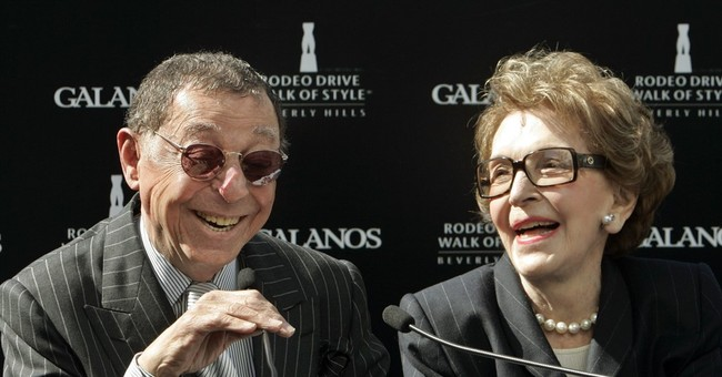 Fashion designer James Galanos dies; dressed Nancy Reagan