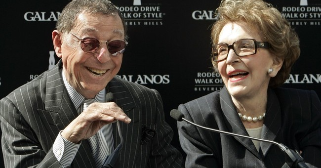 Fashion designer James Galanos dies; dressed Nancy Reagan