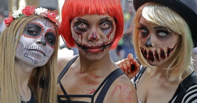 'Zombies' in Rio groan, lurch at tourists along Copacabana