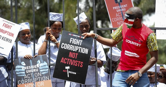 Kenyan police fire tear gas on anti-corruption protesters