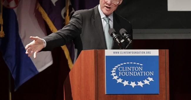 AP sources: FBI agents sought Clinton Foundation probe