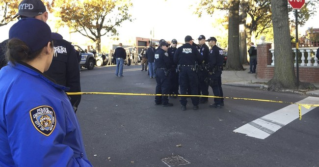 2 New York police sergeants shot, 1 killed; suspect dead