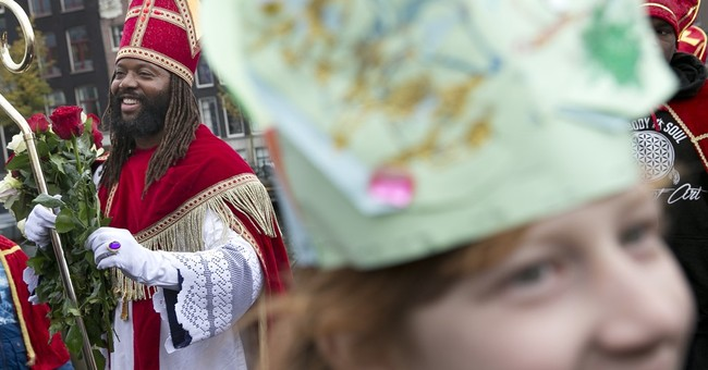 'Black Pete' debate rages again ahead of Dutch celebration