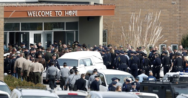 Police gather to mourn death of Des Moines sergeant