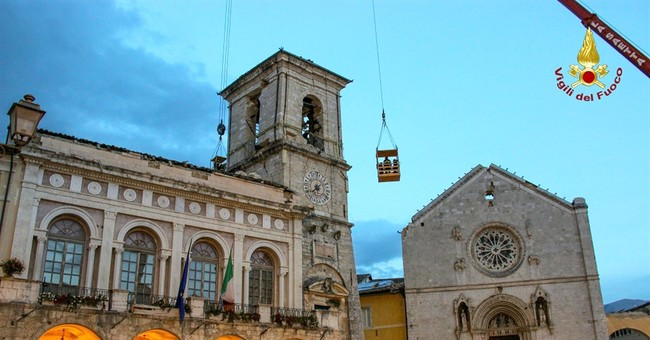 Italy: 17th century artwork stolen from quake-damaged church