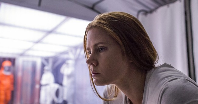 Review: 'Arrival' lumbers, and that's not just the aliens