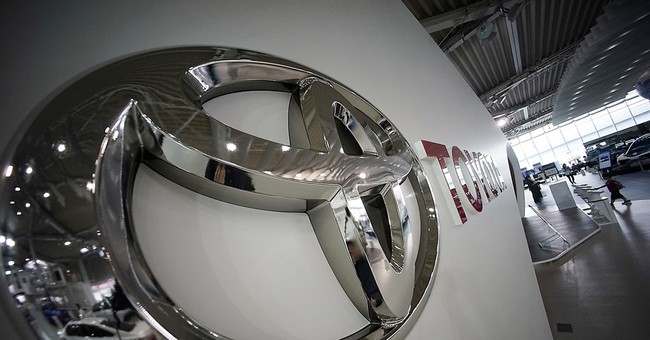 Strong yen sends Toyota's quarterly profit sinking 36 pct
