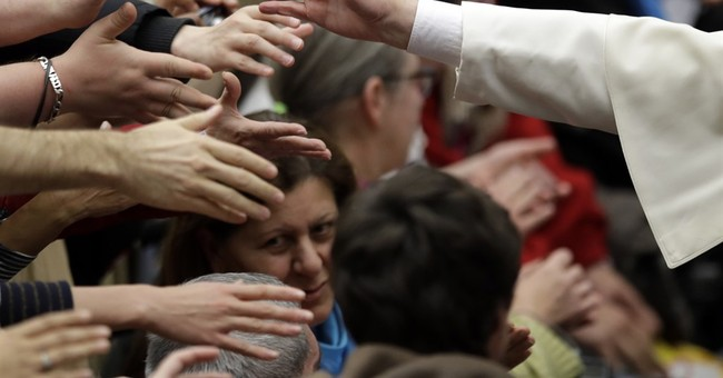 Pope asks homeless to pardon Christians who spurn the poor