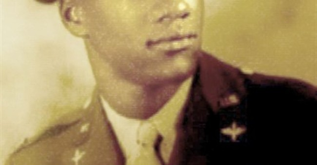Tuskegee Airmen receive Congressional Gold Medal