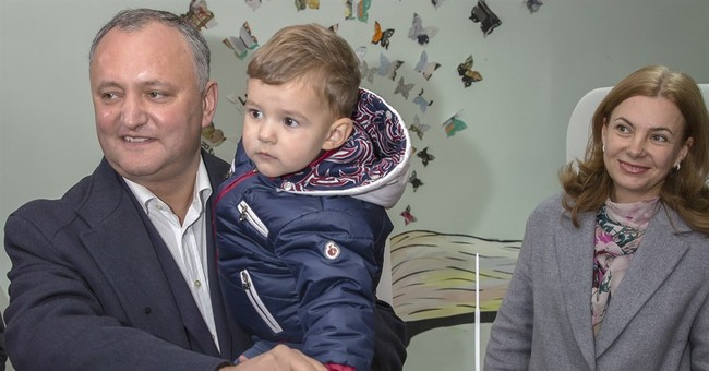 Pro-Russian candidate faces anti-graft rival in Moldova vote