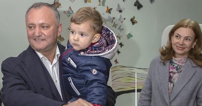 Pro-Russian candidate faces anti-graft rival in Moldova vote