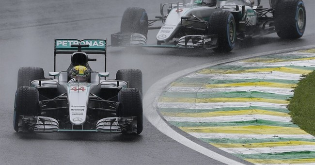 Rosberg content with 2nd as Hamilton forces title showdown