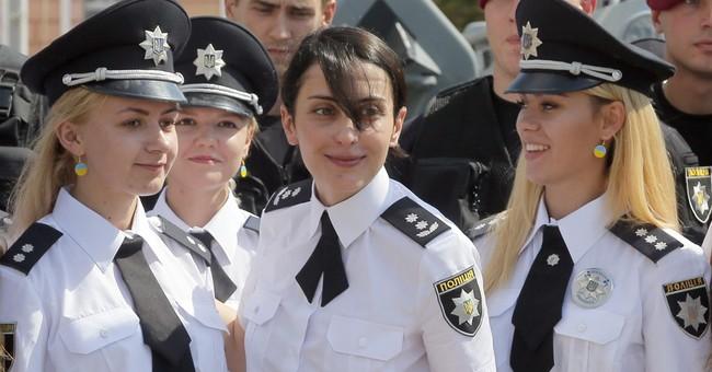 Ukraine's police chief resigns, complains of gov't pressure