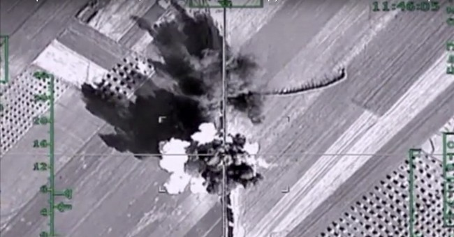 Russia beefs up air group in Syria with advanced fighters