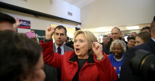Clinton, Sanders locked in extremely tight duel for Iowa