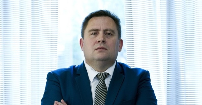 Moldovan flees to US to share details of $1 billion theft