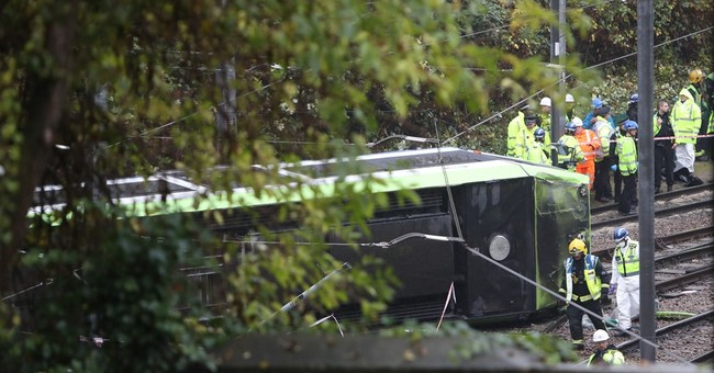 Report finds tram was speeding before accident that killed 7