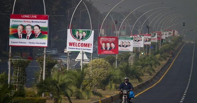 Pakistan orders 400 Turks to leave ahead of Erdogan's visit