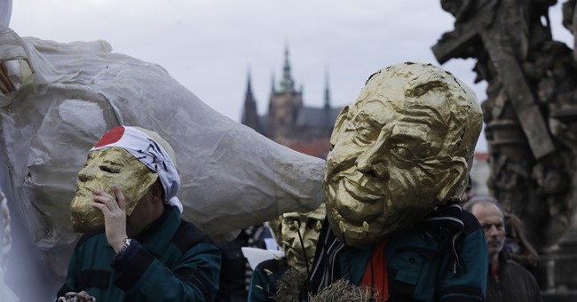 Czechs divided by president rally to mark Velvet Revolution