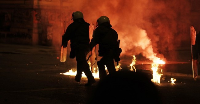 Clashes in Greek capital as 17,000 mark 1973 uprising
