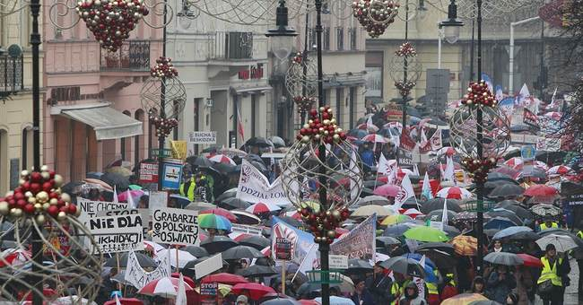 Poland's teachers protest education reform, feared jobs loss