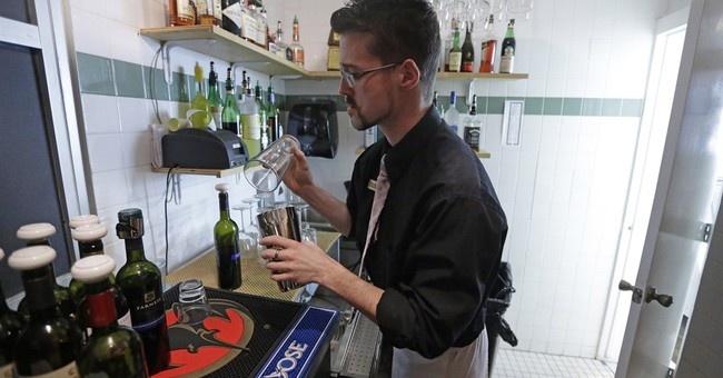 """Group wants end to """"Zion Curtain"""" law walling off bartenders"""