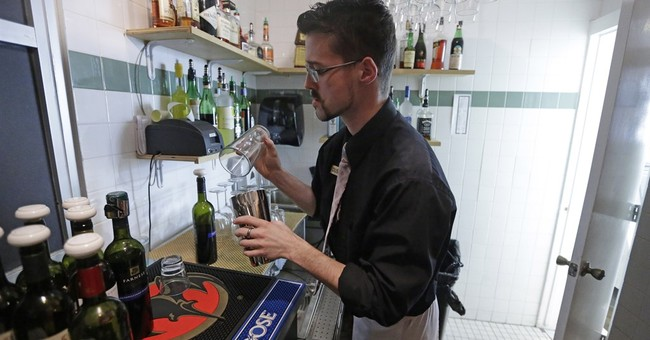"Group wants end to ""Zion Curtain"" law walling off bartenders"