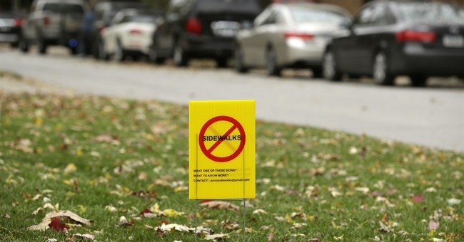 Some suburbanites to sidewalk backers: 'Stay off our lawns'