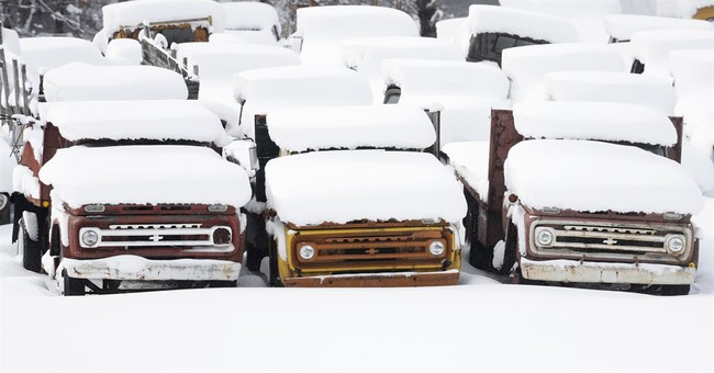 Parts of Northeast get 18 inches of snow; bus overturns