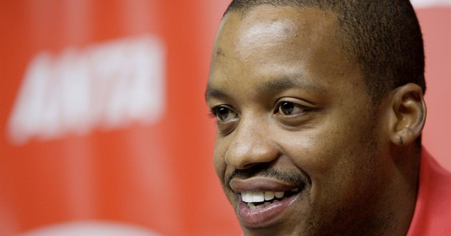 Ex-Rocket Steve Francis charged with threatening officer