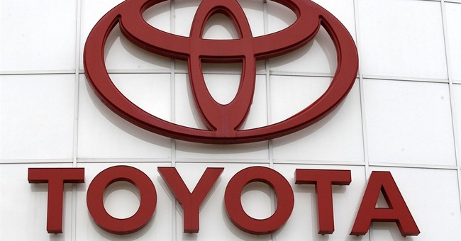 Toyota recalling 834,000 Sienna minivans in North America
