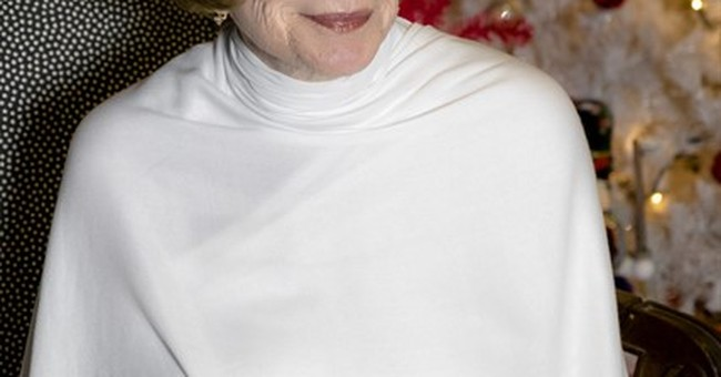 Shirley MacLaine is angelic in 'Heavenly' Hallmark TV movie