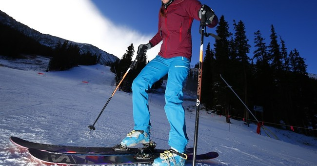 6 ways to score deals and discounts on ski trips this winter