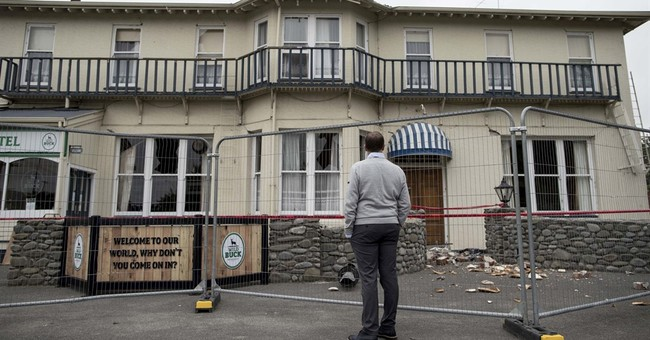 New Zealand prime minister visits towns hit by deadly quake