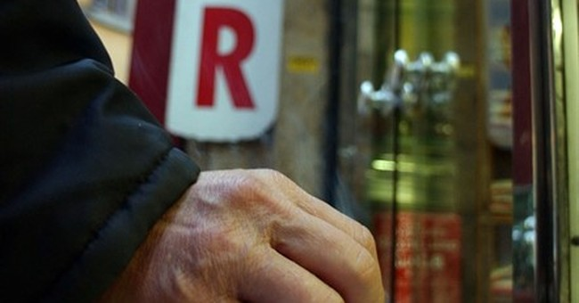 Smokers in Italy hit with new fines to protect the young
