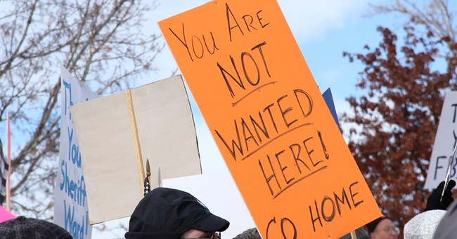 Oregon standoff leader strikes defiant tone from behind bars