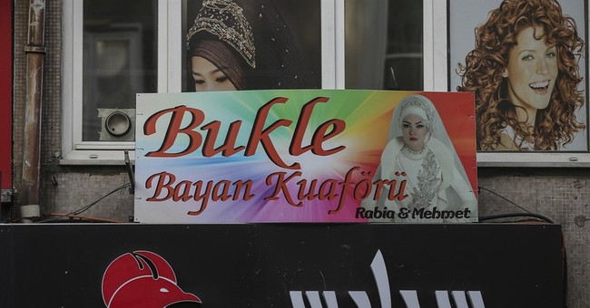 Arabic signs face removal threat in Istanbul's Little Syria