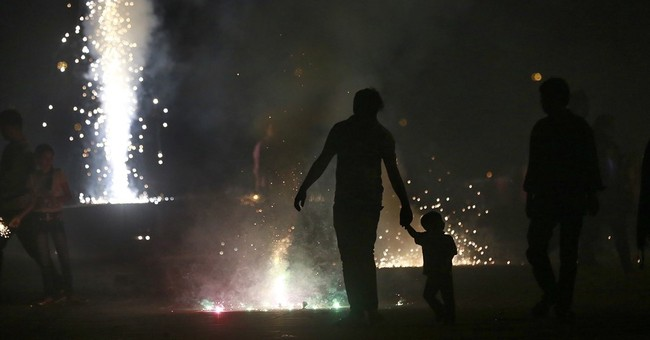 Court stops firecracker sales in New Delhi to curb pollution