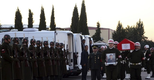 Turkey's push for Syrian town complicates anti-IS fight