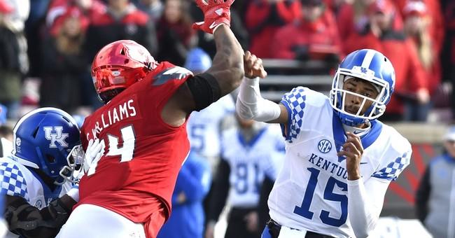 Kentucky beats No. 11 Louisville 41-38 after Jackson fumble