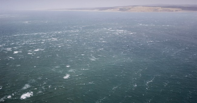 7 dead, 1 missing as waves hit New Zealand fishing boat