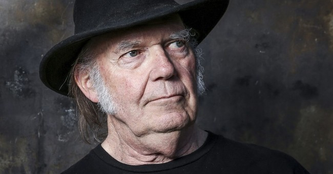 Neil Young wants Obama to end 'violence' at pipeline protest