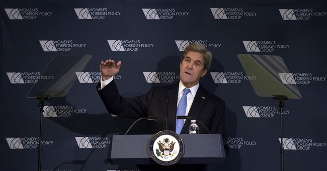 Kerry lays out foreign policy vision very unlike Trump's