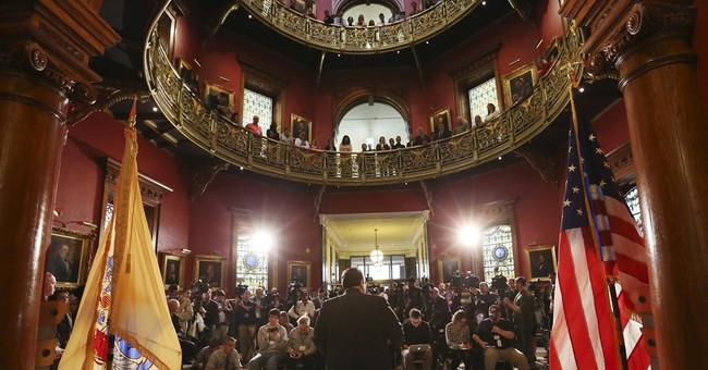 Christie announces $300M renovation of 'shameful' Statehouse