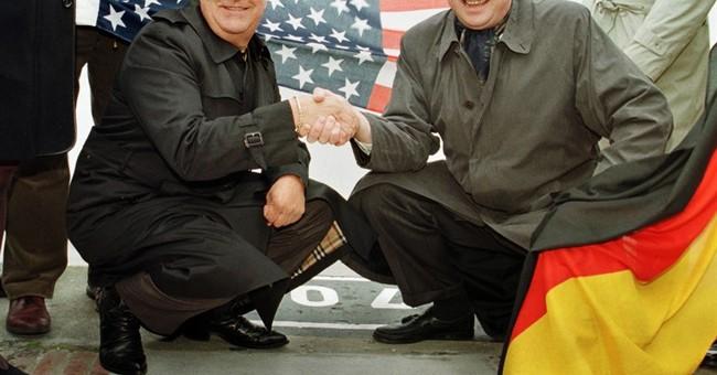 Longtime Elvis Presley aide Joe Esposito dies at 78