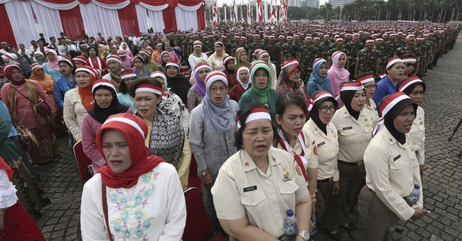 Indonesians join thousands of soldiers, police at rallies