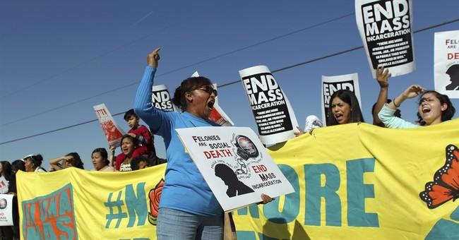 Advocates decry another immigrant death at Arizona facility